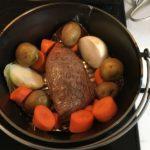 ダッチオーブンでクリスマス料理 ローストビーフ